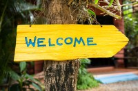 Welcome to Rowans Gallery Sign